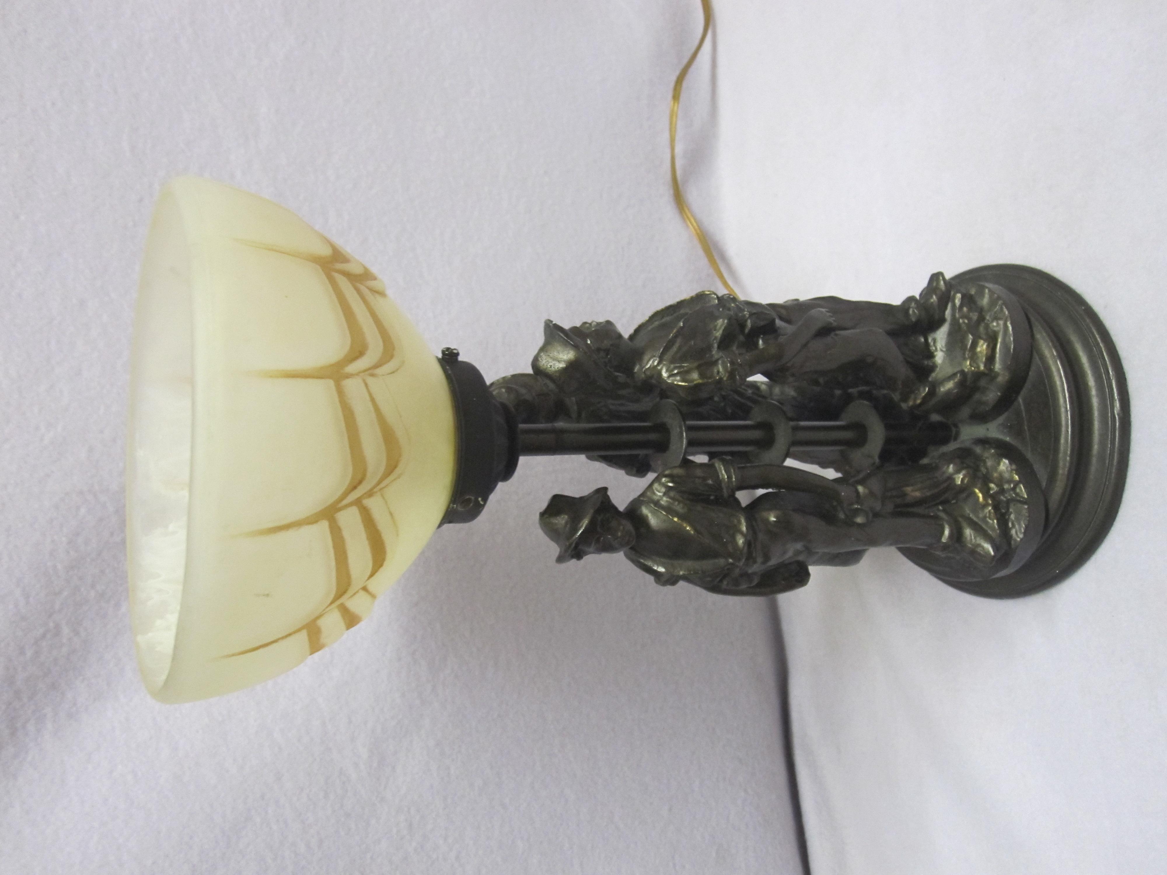 tischlampe figur mit schirm tischleuchte lampe antik. Black Bedroom Furniture Sets. Home Design Ideas